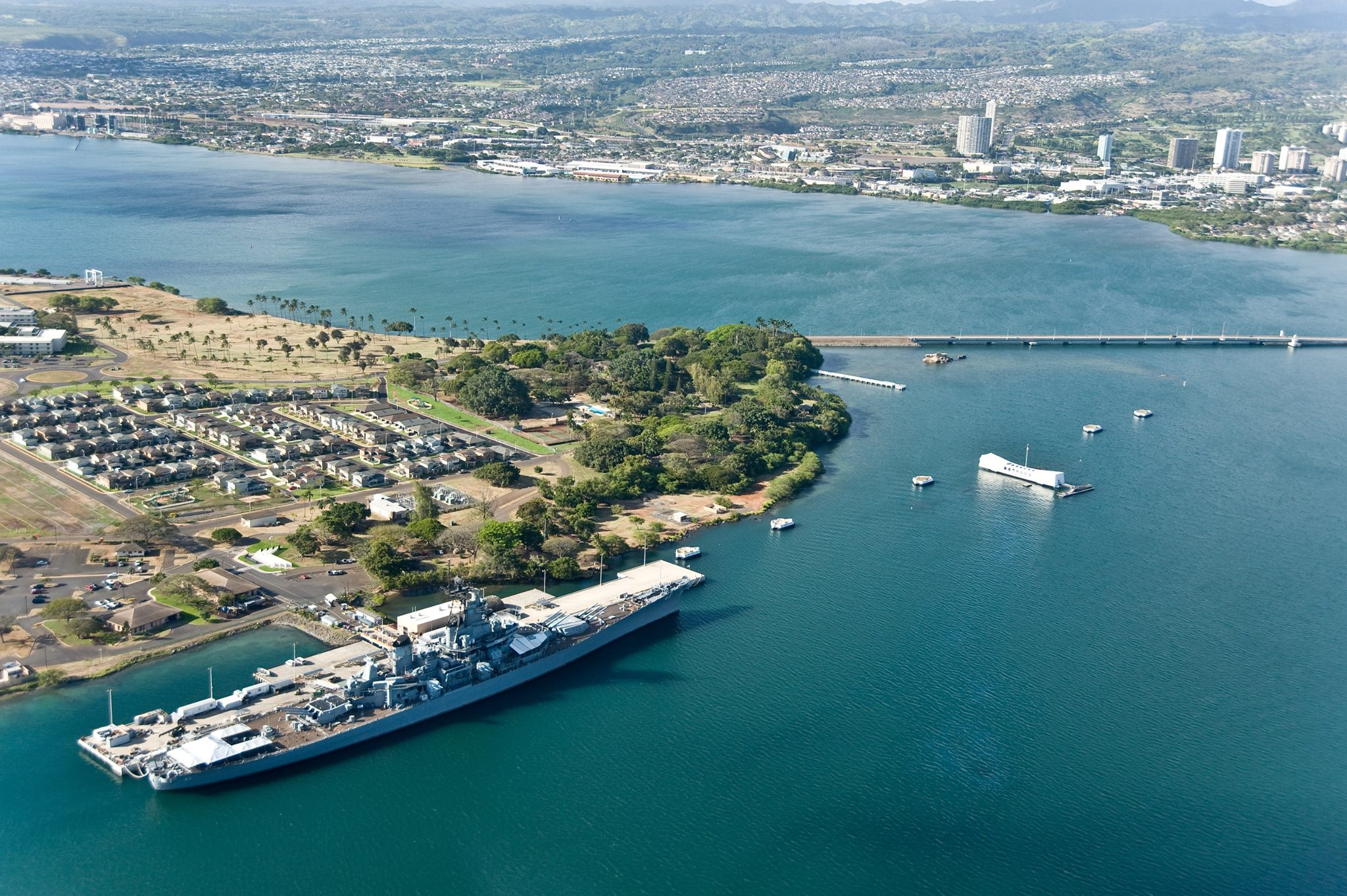 Pearl Harbor Sites - USS Missouri & USS Arizona Memorial